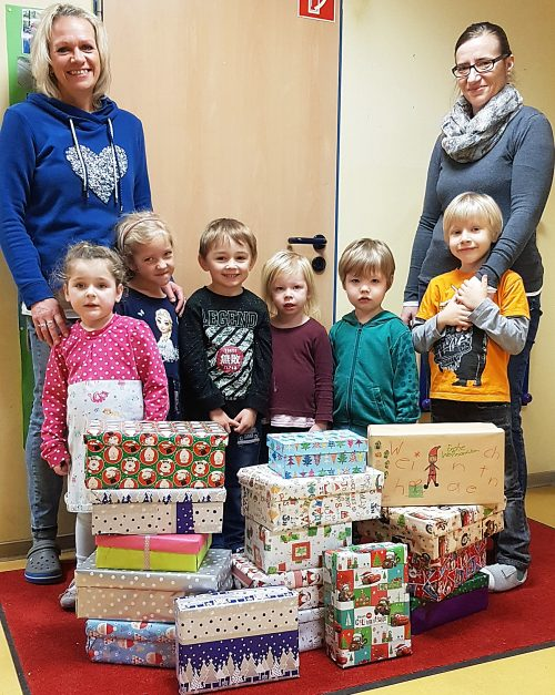 Kita-Kinder beschenken Tafel-Kinder