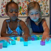 Leuchttisch mit Farbenspiel